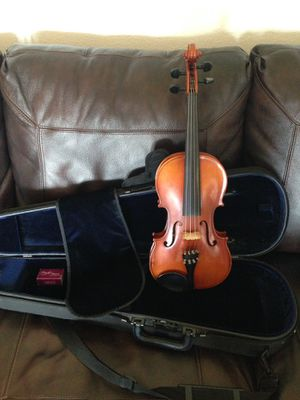 Full Size 4/4 Violin - Suzuki from Shar Music for Sale in Oceanside, CA
