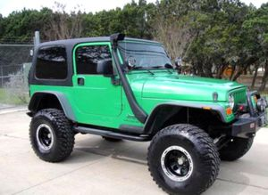 Asking $12OO Jeep Wrangler 2OO4 for Sale in Frederick, MD