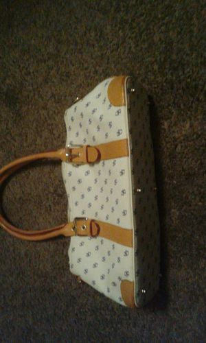 Dooney and Bourke handbag for Sale in Los Angeles, CA