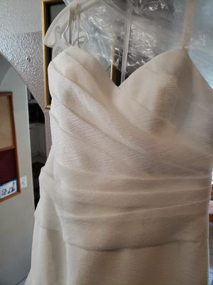 Vera Wang wedding dress white organza size 12 for Sale in Highland, CA