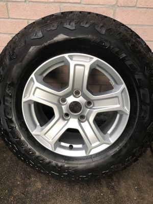 2020 Jeep Wrangler 245/75R17 Bridgestone Dueler wheels and tires for sale for Sale in Katy, TX