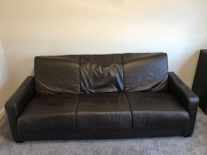 Leather couch for Sale in Duluth, GA