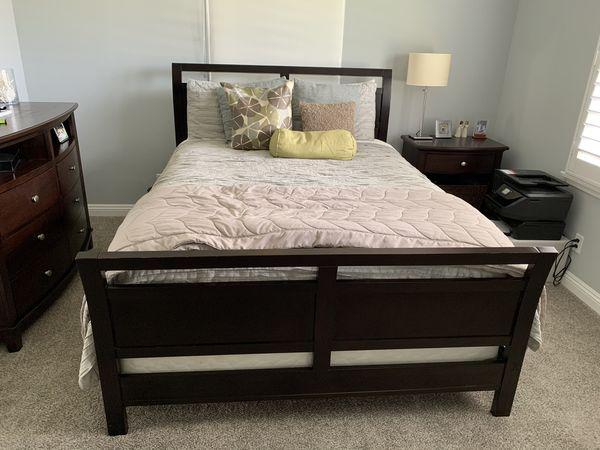 Queen Bedroom Set for Sale!