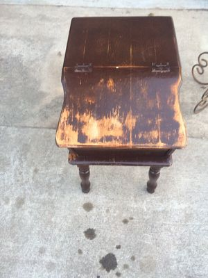 Vintage, Antique end table for Sale in Nashville, TN