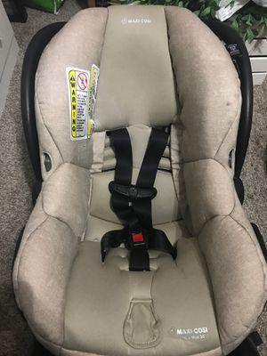 Maxi Cosi Beige carseat for Sale in Miami, FL