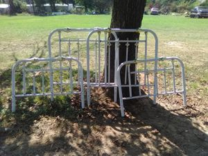 Twin head and footboard for Sale in SPRTSMN ACRES, OK