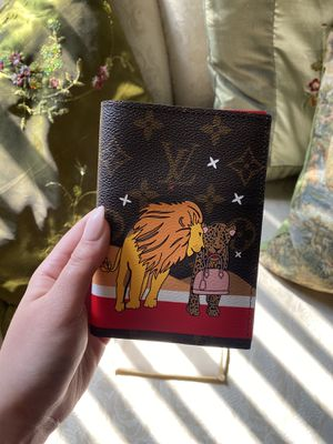 Louis Vuitton Passport Holder Limited Edition Lions Christmas for Sale in Riverside, CA