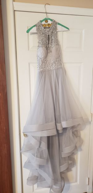 Formal dress size 5 for Sale in Hanover, MD