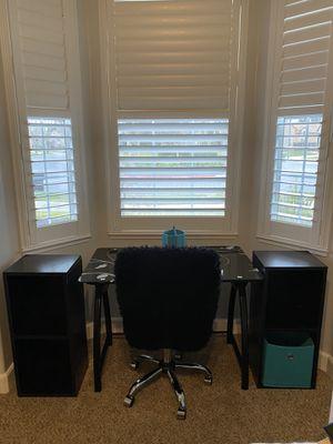 Desk, 2 shelf units & a fur chair for Sale in Ripon, CA