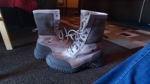 Woman ADIRONDACK II UGG BOOTS (size 7) for Sale in Denver, CO