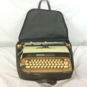 "Smith-Corona ""Coronet"" Automatic 12 Typewriter. for Sale in Burbank, CA"