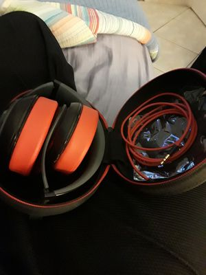 Beats pro studio 2 headphones for Sale in Miami, FL