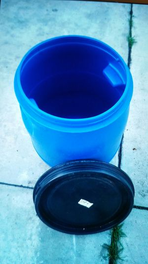 Mint condition like new 40gallon plastic barrels available now for pick up $25each 0r 2 for $45.00 for Sale in Fontana, CA
