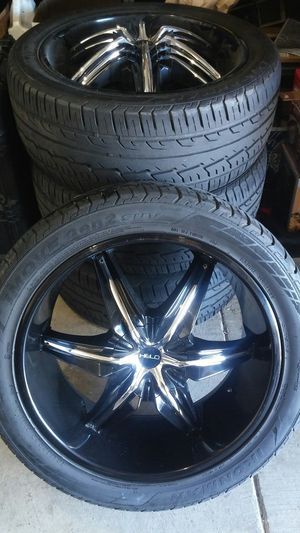 "22"" 5 lug Universal Helo wheels for Sale in Auburn, WA"