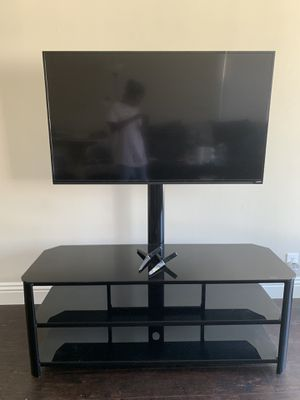 "Vizio 50"" 1080p SMART LED tv(tv mount/stand optional) for Sale in Long Beach, CA"