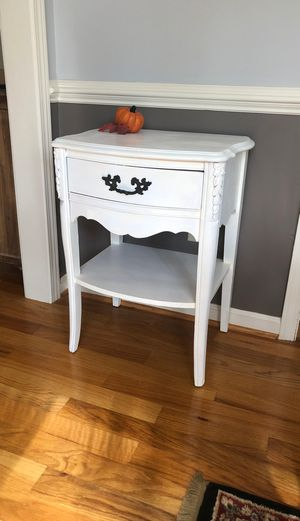 Side table for Sale in Easley, SC