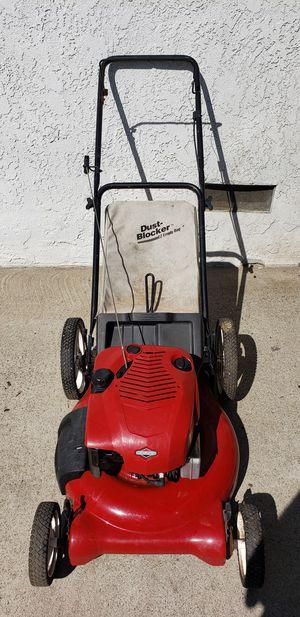 Craftsman 6.75 push lawn mower for Sale in Baldwin Park, CA