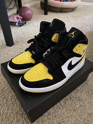 "Air Jordan 1 Mid SE ""Yellow Toe"" for Sale in Phoenix, AZ"