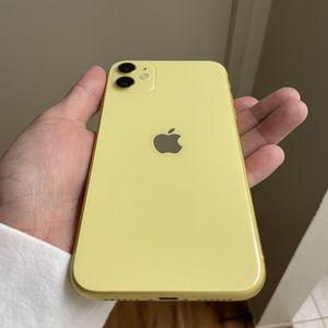 iPhone 11 Yellow UNLOCKED 64gb Brand New Condition for Sale in Moreno Valley, CA