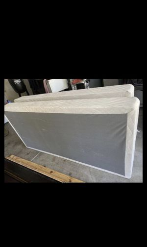 Box spring (king) for Sale in Citrus Heights, CA