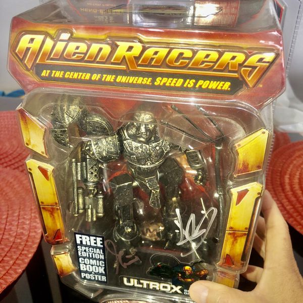 Alien Racers ULTROX Action Figure Series One w/Comic Book & Poster NEW