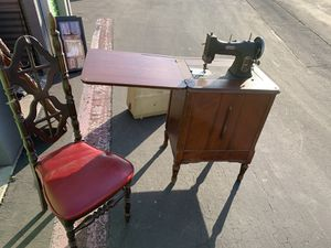 Máquina de coser for Sale in Livermore, CA