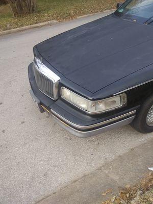 Car Lincoln town car 97 black for Sale in Lufkin, TX