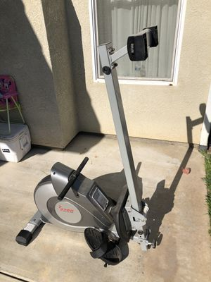 MAGNETIC ROWING MACHINE for Sale in Reedley, CA