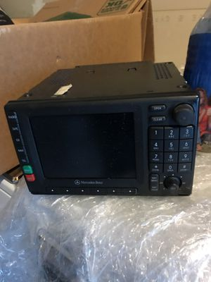 Mercedes Benz ML 2000 - 2005 radio not working for Sale in Oakland, CA