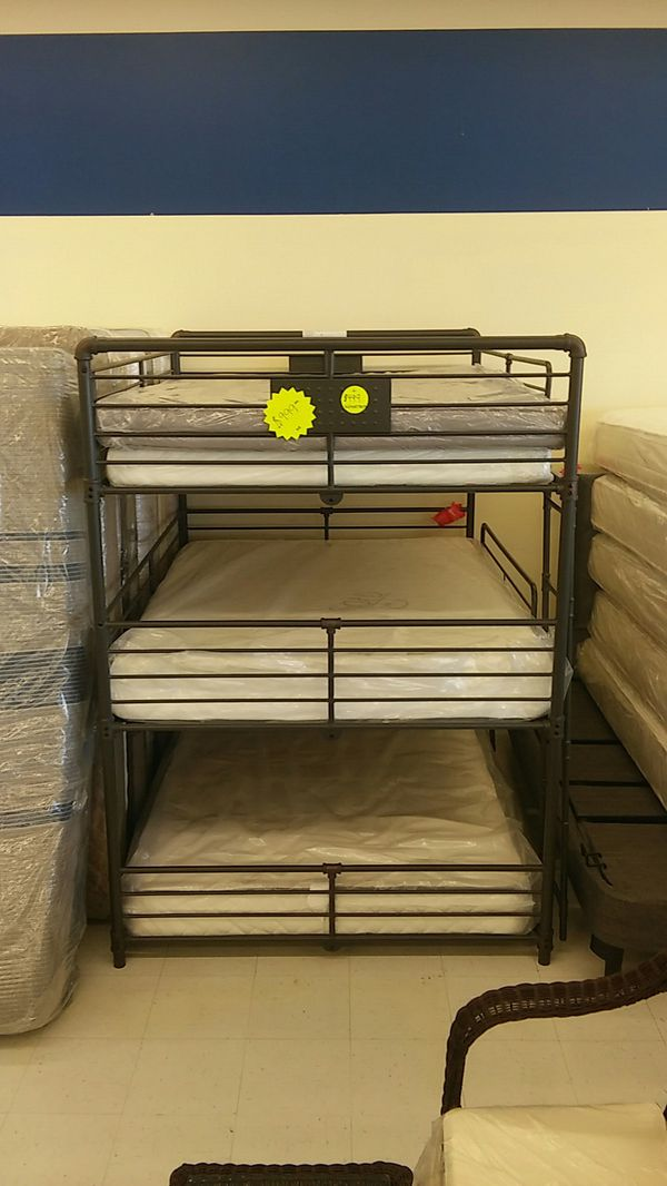 Full//full//full bunk bed on black (metal bunk bed)