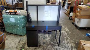 Ikea Milke desk for Sale in Miami, FL