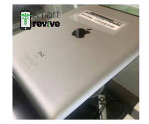 iPad 2 Silver 32GB WiFi/Cellular for Sale in Orlando, FL