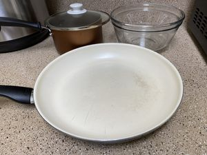 Kitchen Pots and Pans for Sale in Columbus, OH