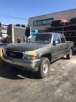 2001 GMC Sierra Silverado for parts Bk Auto Wrecking 14134 Garfield Ave paramount ca for Sale in Paramount, CA