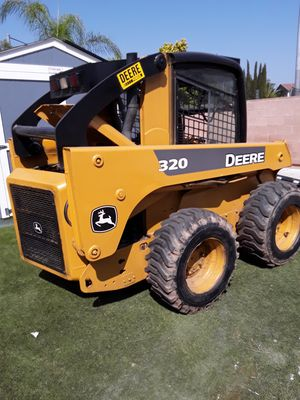 Trade or Sell Tractor john deere 320 for Sale in Corona, CA