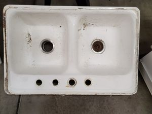 Sinks, pantry caninet, drawers, & rugs that survived a flood for Sale in Chula Vista, CA