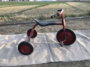 Retro Metal Bicycle for Sale in Holt, CA