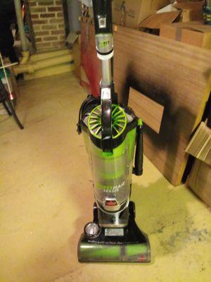 Bissell baglessh vacuum for Sale in Audubon, NJ