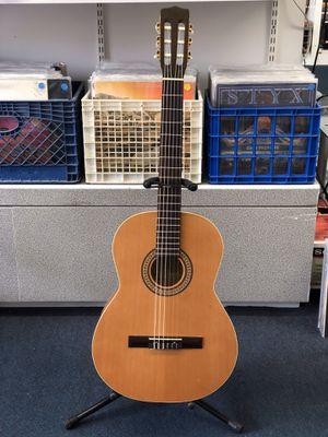 La Patrie Etude Classical nylon string guitar Pawn Shop Casa de Empeño for Sale in Vista, CA