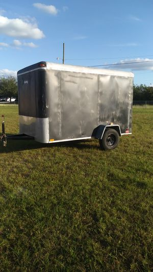 6 x 10 ft ENCLOSED TRAILER for Sale in Lehigh Acres, FL