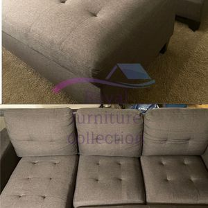 "Grey Upholstered Linen Sectional Sofa With XL Ottoman And 2 Throw Pillows 81x60x36 "" for Sale in Vernon, CA"