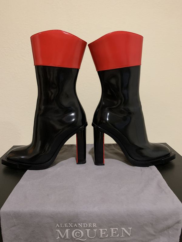 Alexander McQueen leather boot