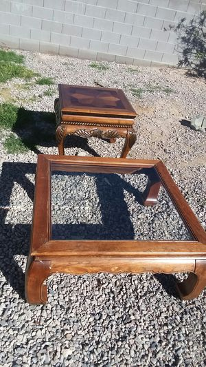 End table and glass top coffee table for Sale in North Las Vegas, NV