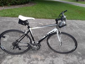 "Giant Rapid 24 speed bike with 700 x 28 tires, 20"" frame, mirror and saddle bag. for Sale in Zephyrhills, FL"