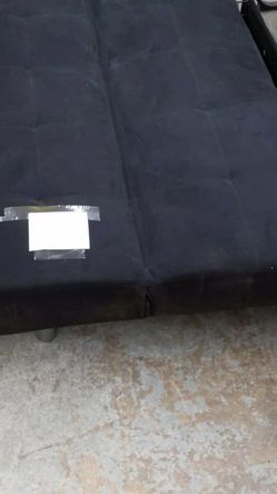 Futon With 2 Bottom Drawers for Sale in Chicago,  IL