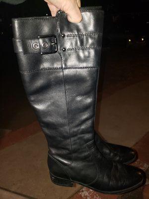 Black Boots for Sale in San Fernando, CA
