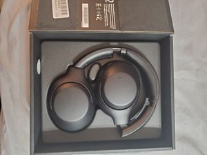 Sony headphones WHXB900N for Sale in Lawrence, MA
