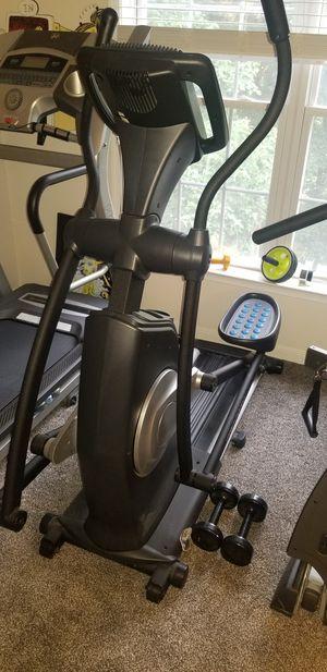 Like New Pro Form 20.0 CrossTrainer Elliptical for Sale in Midlothian, VA