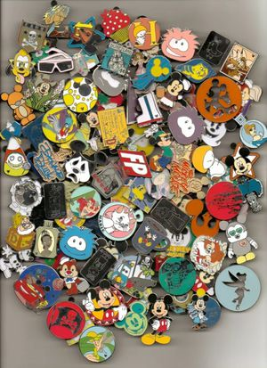DISNEY PINS lot of 100 pins Free Shipping 100% tradable no duplicates for Sale in Orland Hills, IL