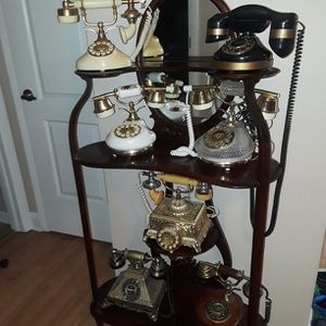 Antique Shelfe With Mirror for Sale in Hinsdale, IL
